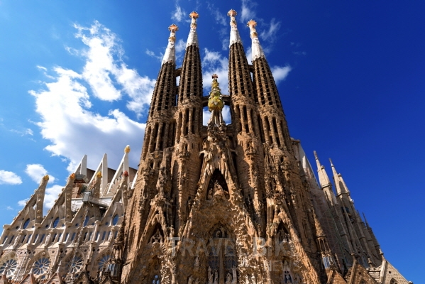 사그라다 파밀리아는 세계적인 건축가 안토니오 가우디가 설계한 건축물로 가우디 건축의 백미로 꼽힌다. 사진/ 트래블바이크뉴스DB
