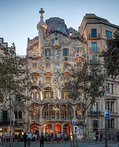 꿈의 건축이라 할 수 있는 카사 바트요는 2005년 유네스코 세계유산에 등재됐다. 사진/ 카사 바트요 코리아 페이스북